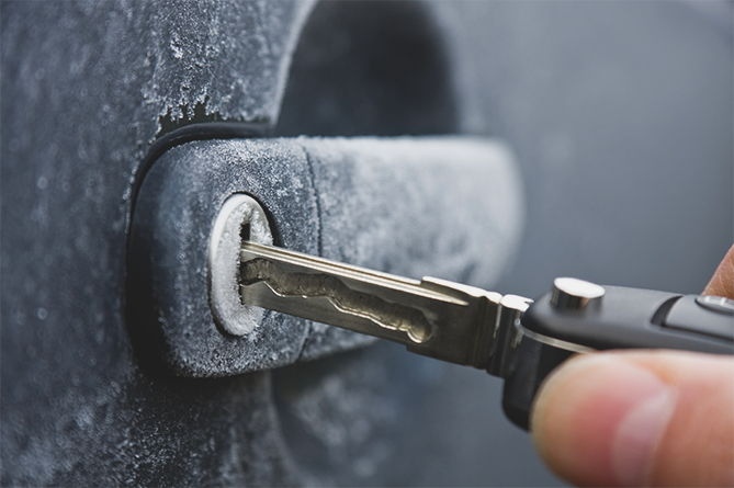 Car-Key-Going-Into-Lock