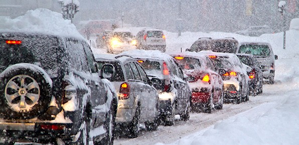 Cars-In-Winter-Traffic