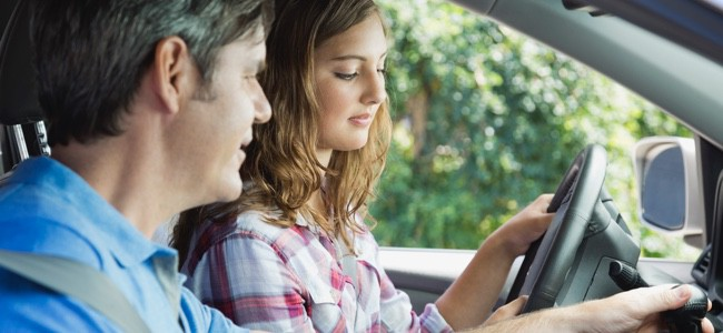 Dad-Teaching-Daughter-to-Drive